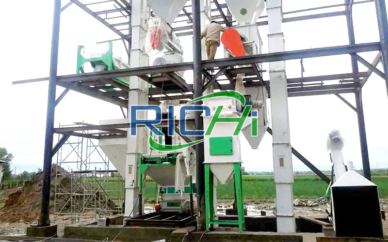3-5T/H full set broiler chicken poultry feed production line project in Uzbekistan